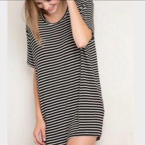 Brandy Melville Simple Striped Short Sleeve